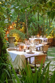 mozaic-restaurants-garden-dining1-large1